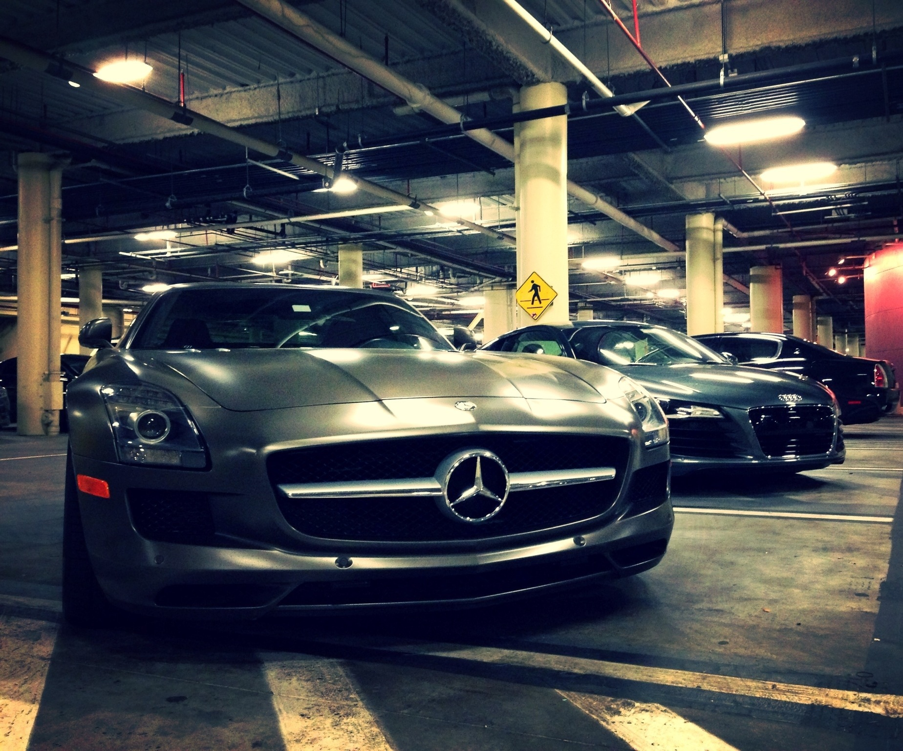 Mercedes benz sls amg audi r8 v8 10 6 speed 36thumbsup for Mercedes benz instagram